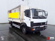 Vrachtwagen met huifzeil Mercedes 814