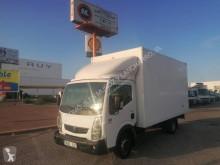 Camión Renault Maxity 140.35 furgón usado