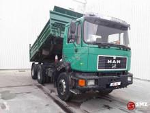 Camion benne MAN 26.322