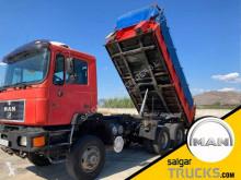 MAN konténerszállító teherautó