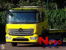 Ciężarówka do transportu samochodów Mercedes Atego 921