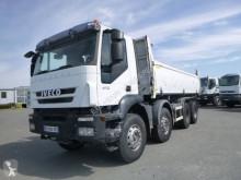Lastbil dubbel vagn Iveco Trakker 410