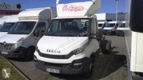 Camion châssis Iveco Daily 70C17
