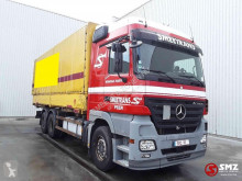 Vrachtwagen met huifzeil Mercedes Actros 2641