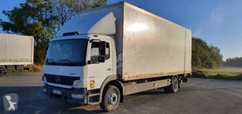 Camión Mercedes Atego 1318 furgón usado