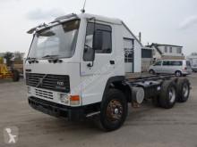Caminhões chassis Volvo FL10