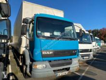 Camião DAF LF55 220 furgão usado