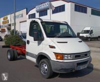 Caminhões Iveco Daily 35C11 chassis usado