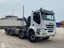 Caminhões Iveco Trakker 500 SCARRABILE BALESTRATO ANTERIORE poli-basculante usado