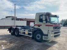Camion polybenne Volvo FM 340 BALESTRATO ANTERIORE E PNEUMATICO POS