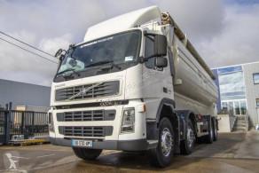 Ciężarówka cysterna do przewozu produktów żywnościowych Volvo FM
