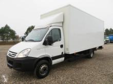 Camión Iveco Daily 65C18 6 m. Box furgón usado