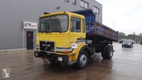 Camion benne MAN 16.240