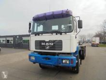 Camión MAN TG 360 A Gancho portacontenedor usado