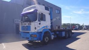 Ciężarówka platforma MAN 26.464