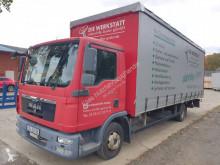 MAN függönyponyvaroló teherautó TGL 8.220