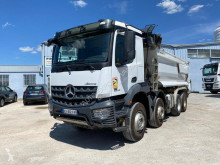 Camión volquete Mercedes Arocs 3243 KN