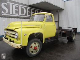 Camión Ford F600 , Manual , , Drum brakes , Spring suspension chasis usado
