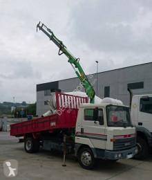 Ciężarówka wywrotka Nissan L