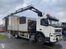 Camión Volvo FM9 caja abierta usado