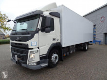 Camion fourgon Volvo FM
