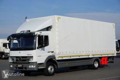 شاحنة MERCEDES-BENZ ATEGO /1222 / E 5 / SKRZYNIA + WINDA / ŁAD. 5 990 KG / 18 PALET مغطاة مستعمل