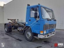 Caminhões poli-basculante Volvo FL7