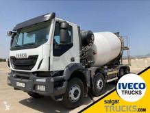 Lastbil Iveco Trakker beton brugt