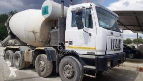 Teherautó Astra HD7 84.38 használt betonkeverő beton