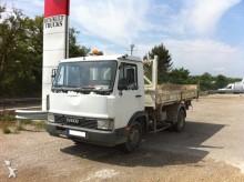 Camión Iveco Zeta 60.11 volquete volquete trilateral usado