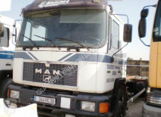 Camion transport containere MAN F2000