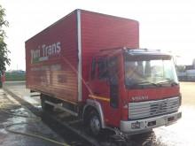Voir les photos Camion Volvo FLC