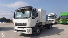 Voir les photos Camion Volvo FL 240