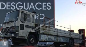 Voir les photos Camion Volvo FL6