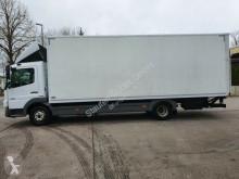 Voir les photos Camion Mercedes Atego 818 L Koffer 7,20 m lang KLIMA Standhz.