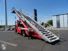 Voir les photos Camion MAN LA-LF 14.284 fire brigarde airport rescue stair