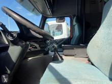 Voir les photos Tracteur Volvo FM 420