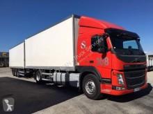 شاحنة مقطورة عربة مقفلة مستعمل Volvo FM