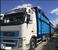Camion cu remorca Volvo FH16 540 transport animale second-hand