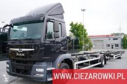 Ciężarówka z przyczepą BDF MAN TGM 15.290