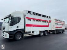 Lastbil med släp boskapstransportvagn Iveco Stralis