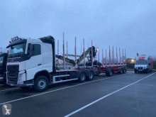 Volvo timber trailer truck FH 500 Globetrotter