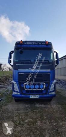 Lastbil med släp sulky Volvo FH13