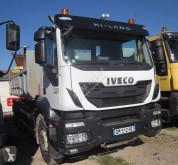 Lastbil med släp flak Iveco Trakker 260 T 44