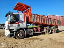 Lastbil med släp platta häckar Iveco Stralis 430