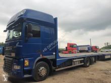 Camión remolque caja abierta transporta paja DAF XF105 460