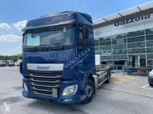 Vrachtwagen met aanhanger BDF DAF XF460