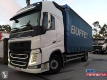 Voir les photos Camion remorque Volvo FH