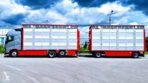 Zobaczyć zdjęcia Ciężarówka z przyczepą Volvo FH