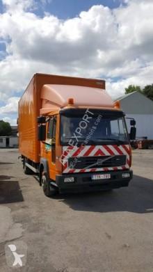 Voir les photos Camion remorque Volvo FL6